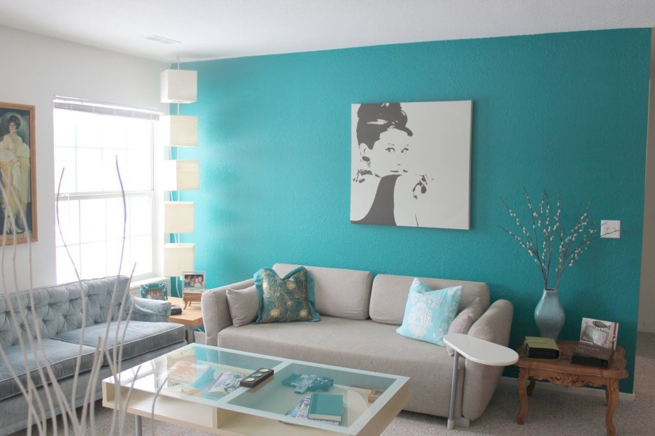 Turquoise Painted Living Room Wall Closed To Light Colored
